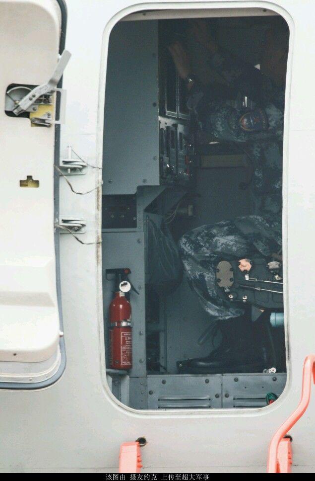 轰6k舱门大开内部结构曝光