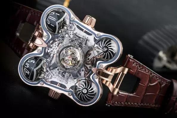 腕表不一定要圆的,不循规蹈矩的设计也许更抢眼