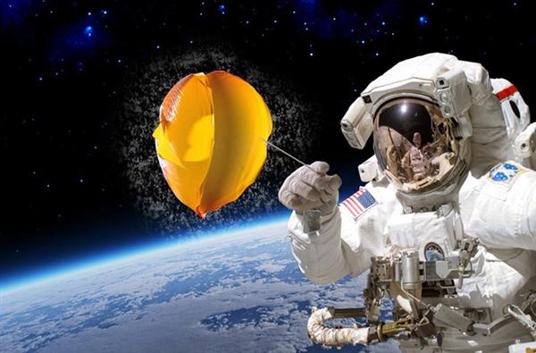 作死测试:太空中捏爆气球后 万万没想到