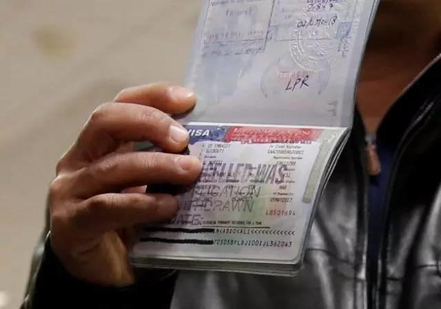【提醒】美国律师友情提醒中国游客:入境前最好先把微信卸了