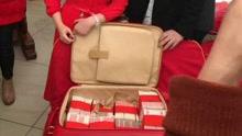 福建18岁美女订婚收288万聘金