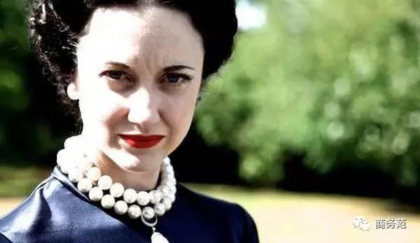 拥有全球最奢华珠宝的女王 同时也沐浴在幸福婚姻中