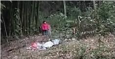 2岁女童遭狠心父亲栓坟场 被冻得放声大哭