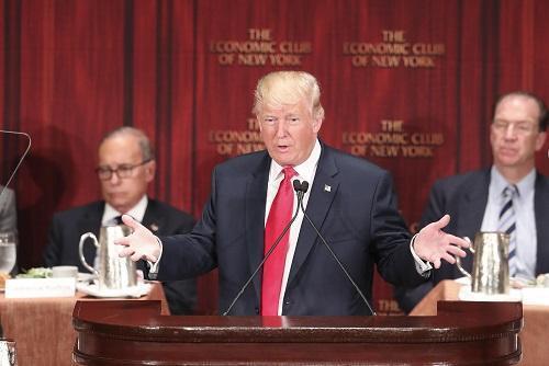 美媒:特朗普欲将工厂搬回美 是否影响中方战略?