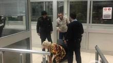 实拍女子藏行李箱内偷渡土耳其