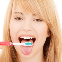 刷牙时要还要刷舌头?怎么刷呢……