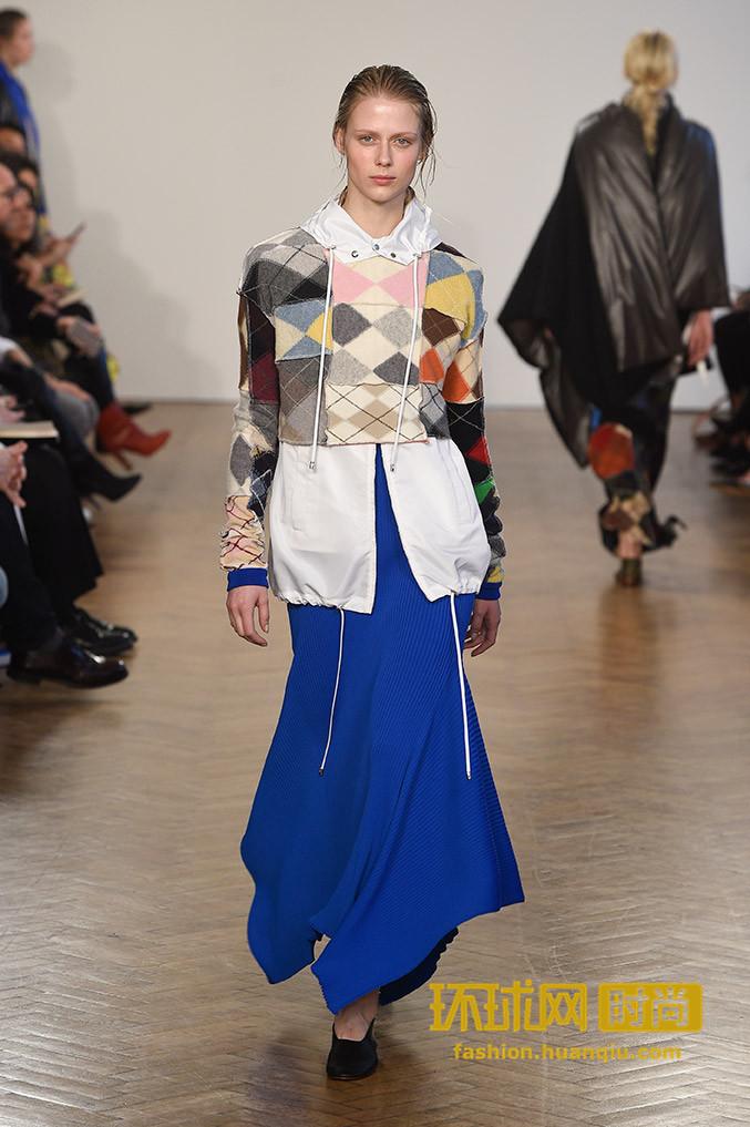 你还沉浸在古装仙女的剧情中?时尚圈早就变成了苏格兰高地的世界