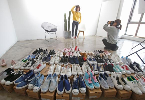 武汉局部模特日薪过万 经常出国拍摄