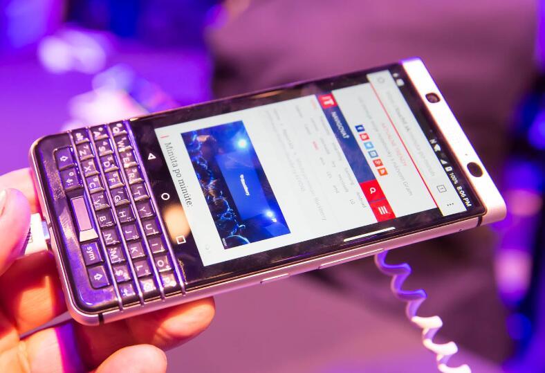 TCL携手黑莓发布全键盘KEYone