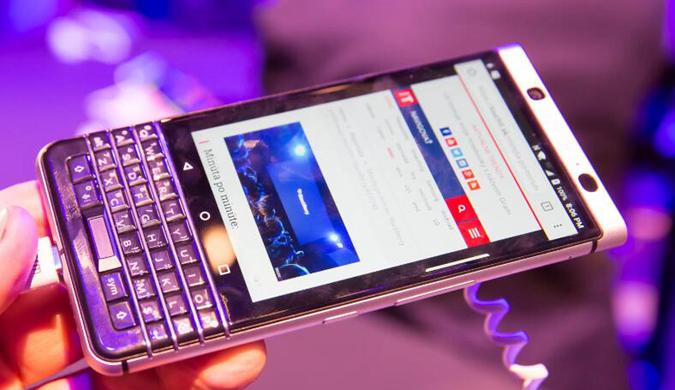 MWC︰TCL携手黑莓发布全键盘KEYone智能手机