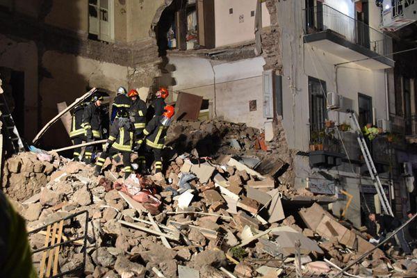 意大利一楼房发生倒塌事故 疑似煤气罐爆炸引起