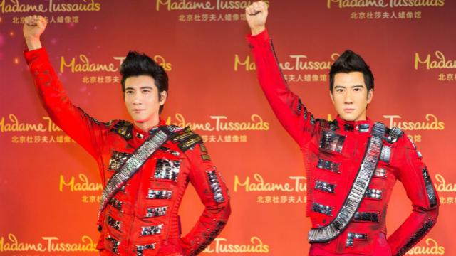 王力宏蜡像入驻北京杜莎蜡像馆