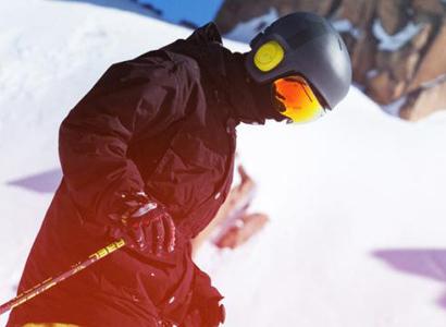如何一边滑雪一边听歌?