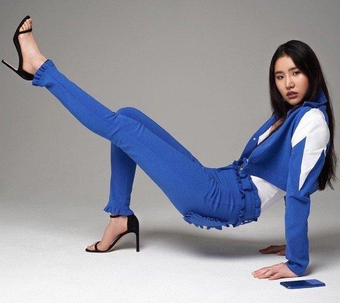 """谷歌推""""真蓝""""牛仔裤宣传蓝色Pixel手机"""