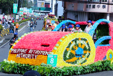 菲律宾鲜花节庆典 花车游行花香四溢