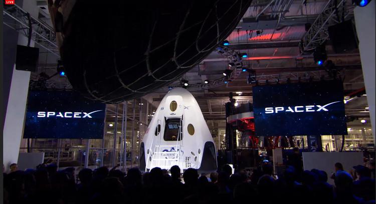 龙飞船明年要载人绕月旅游?可火箭还尚未首飞