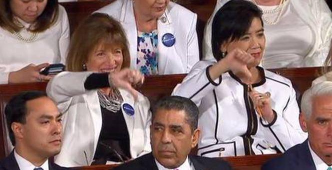 """特朗普国会首秀遭民主党女议员""""鄙视"""""""