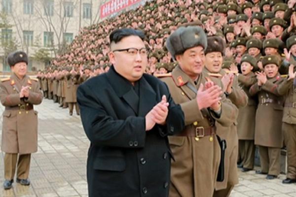金正恩视察朝鲜人民军指挥部 要官兵做好斗争准备