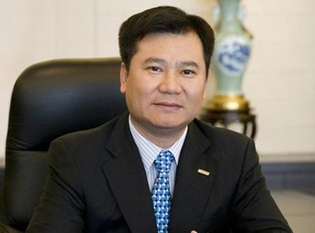 张近东两会提案:扩容中国足球联赛保障球员生涯发展