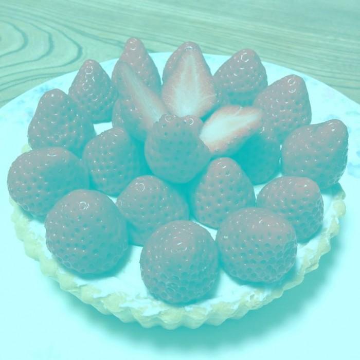 你的眼睛在撒谎:这些草莓并不是红色