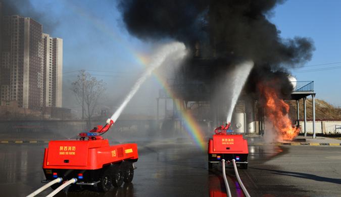 全地形消防灭火机器人亮相西安