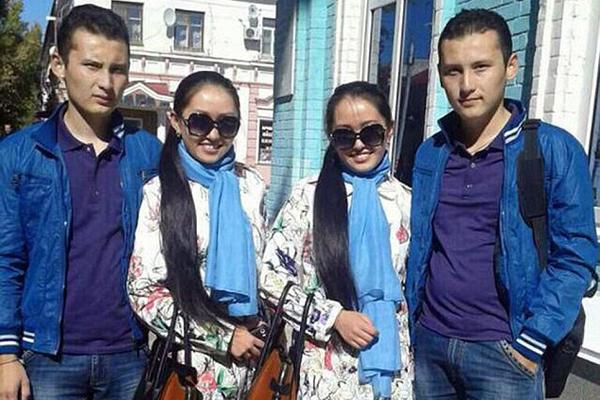 哈萨克斯坦双胞胎姐妹嫁双胞胎兄弟并同时怀二胎