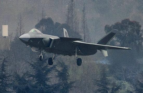 量产型歼20战机最新试飞图曝光