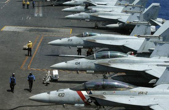 美国邀请菲律宾防长登航母参观