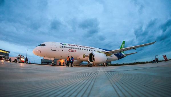 商飞副总:C919大型客机首架机进入首飞准备状态