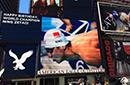 迷妹在纽约时代广场为宁泽涛庆生 送出999朵玫瑰