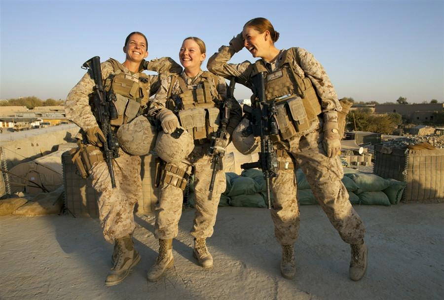 美大量女兵裸照遭战友疯传 丑闻爆料人反遭威胁