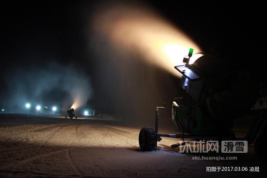 """南山滑雪场趁冷""""发飙"""" 令京城雪季延长半个月"""