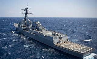美国航母伯克舰齐聚南海