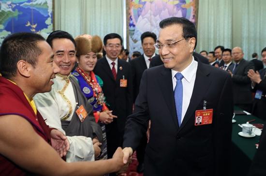李克强来到西藏团 参加审议政府工作报告