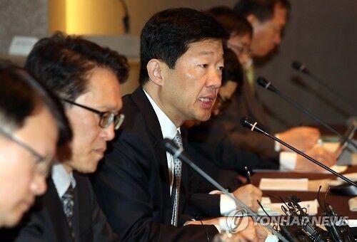"""韩国政府召集各行业代表探讨应对中国""""反萨措施"""""""
