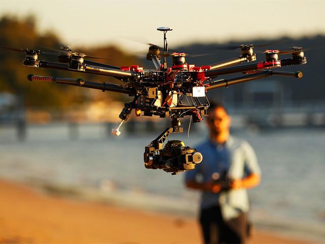 英国有关部门呼吁加强无人机管理 避免安全事故