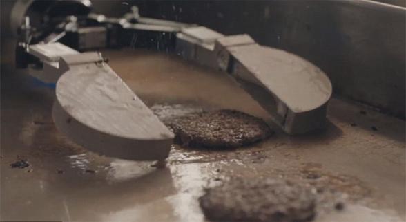 厨房机器人Flippy现身连锁餐厅  烤得一手好肉饼