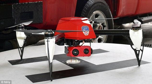 纽约市消防局首次使用无人机灭火
