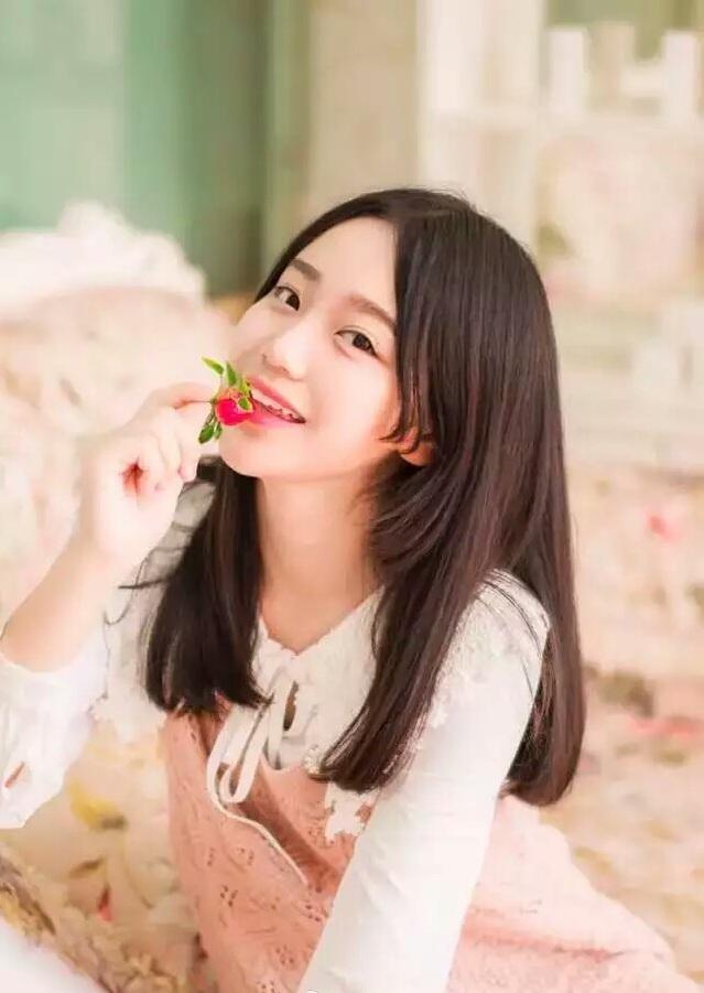 川妹子艺考生笑容甜美 已入围中戏最后一试