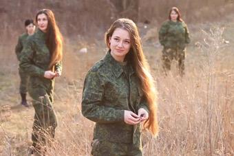 俄罗斯女子坦克部队颜值太高了