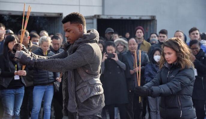 男主角晒中国开机照 《环太平洋2》再打中国牌