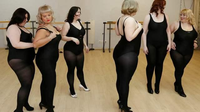 以胖为美!俄罗斯丰腴美人选美大赛 越胖越美