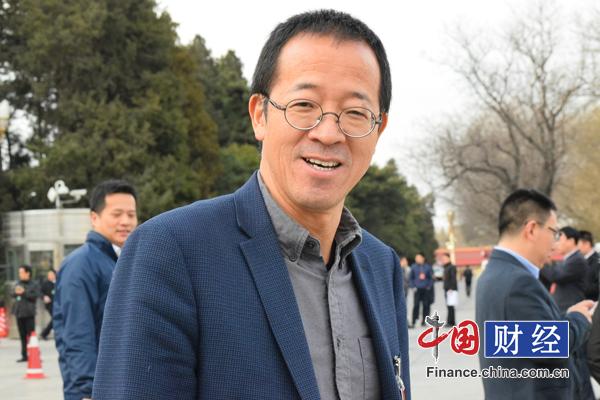 俞敏洪:大学生创业要谨慎 工作五六年之后也不晚