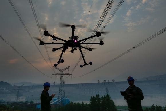 用无人机巡视线路 电网安全更有保障