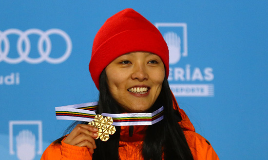 单板滑雪U型池世锦赛蔡雪桐卫冕 张义威获第五