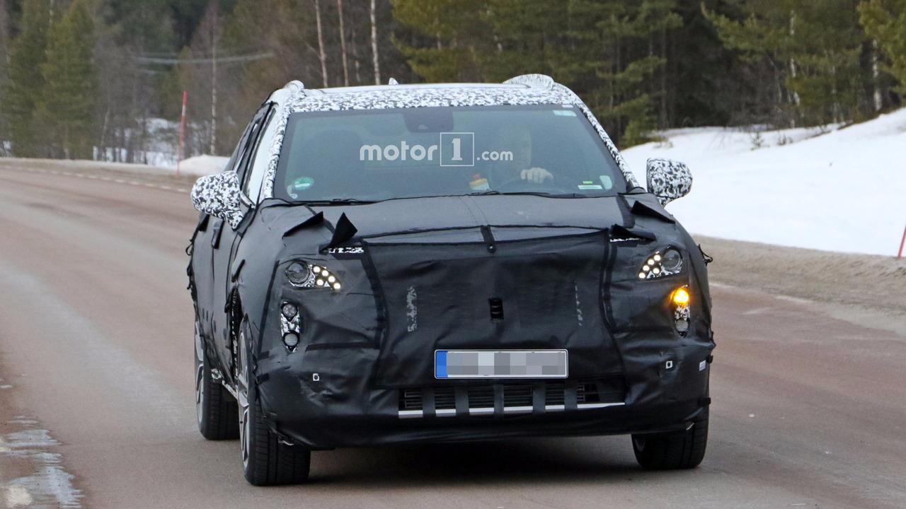 凯迪拉克2018年推全新中型SUV 定名XT4
