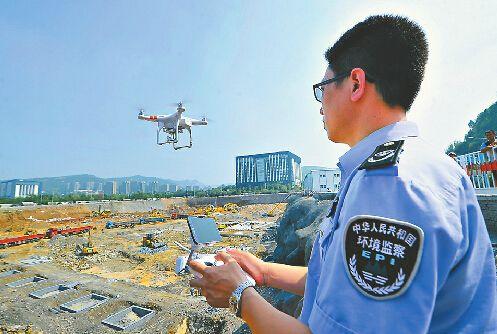 """无人机、IC卡齐""""上阵"""" 看看城管怎么管工地"""
