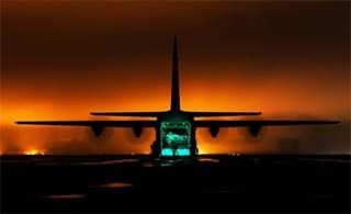 澳军乘C130撤离伊拉克