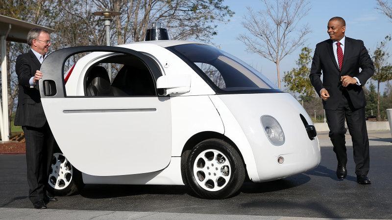 加州将出台新规 有望正式批准无人驾驶车路试
