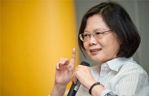 """蔡英文亲信强推这部""""法"""",正把台湾推向死路!"""